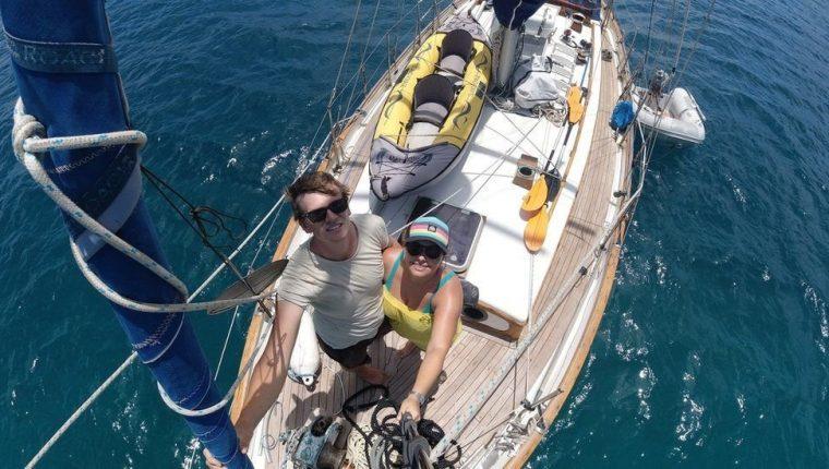 Elena y Ryan pidieron a sus familias y amigos que no les mandaran malas noticias mientras viajaban. Sailing Kittiwake