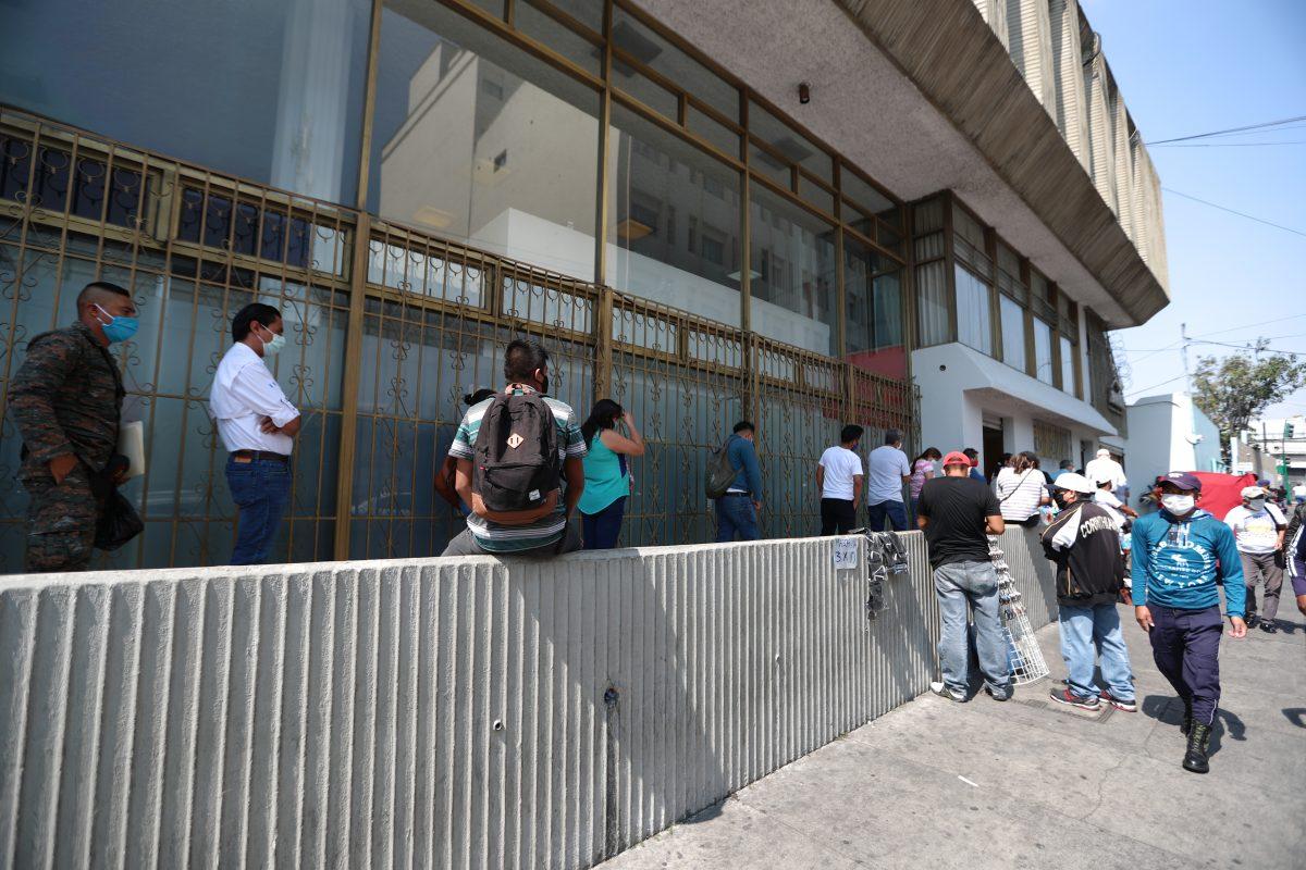 Cómo operarán los bancos durante las nuevas medidas del gobierno por el coronavirus en Guatemala