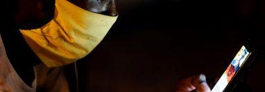 Varias llamadas con el objetivo de estafar fueron detectadas por la fiscalía. (Foto Prensa Libre: EFE)