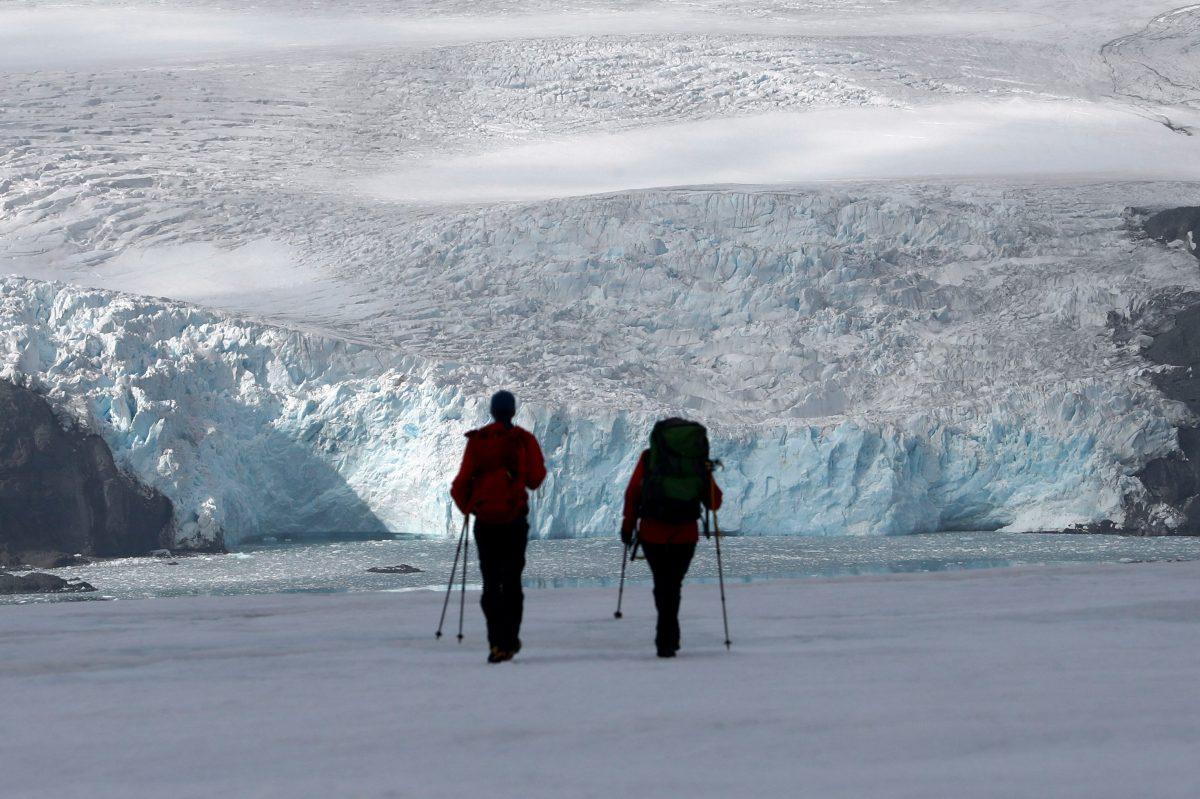 Un marino recibe su billetera perdida en la Antártida… 53 años después