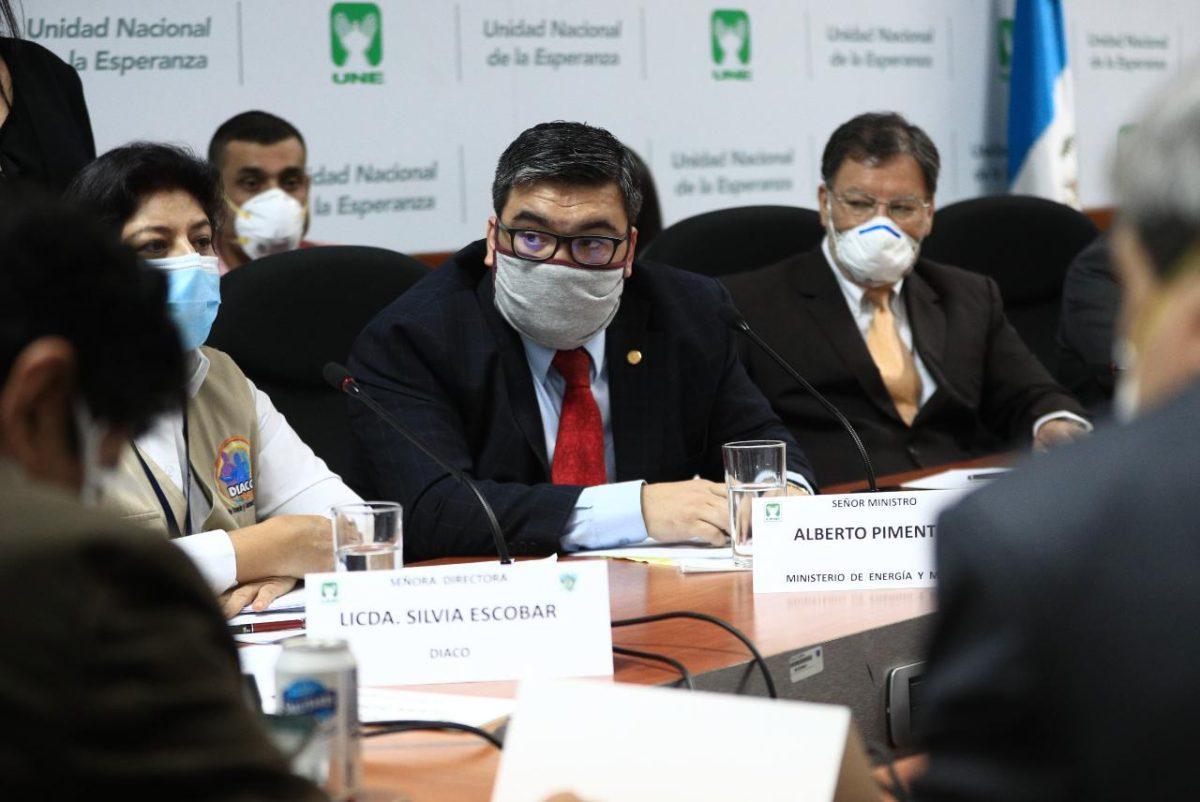 Alejandro Giammattei podría vetar decreto que garantiza servicios básicos durante cuarentena