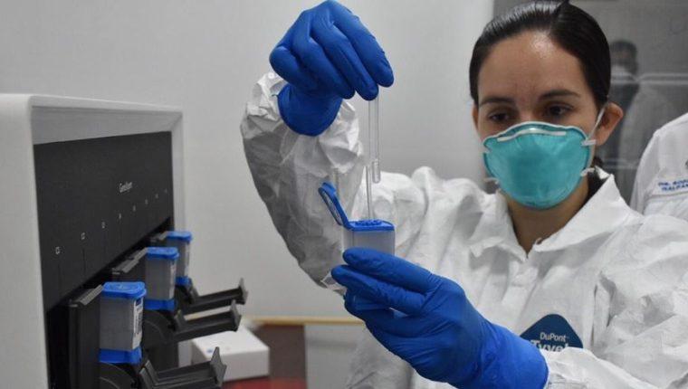 Las autoridades de Salud han incrementado el número de pruebas de coronavirus en Guatemala. (Foto: Hemeroteca PL)