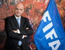 Gianni Infantino, presidente de la Fifa, entregó a finales de abril US$150 millones a las 211 federaciones. (Foto Prensa Libre: AFP).