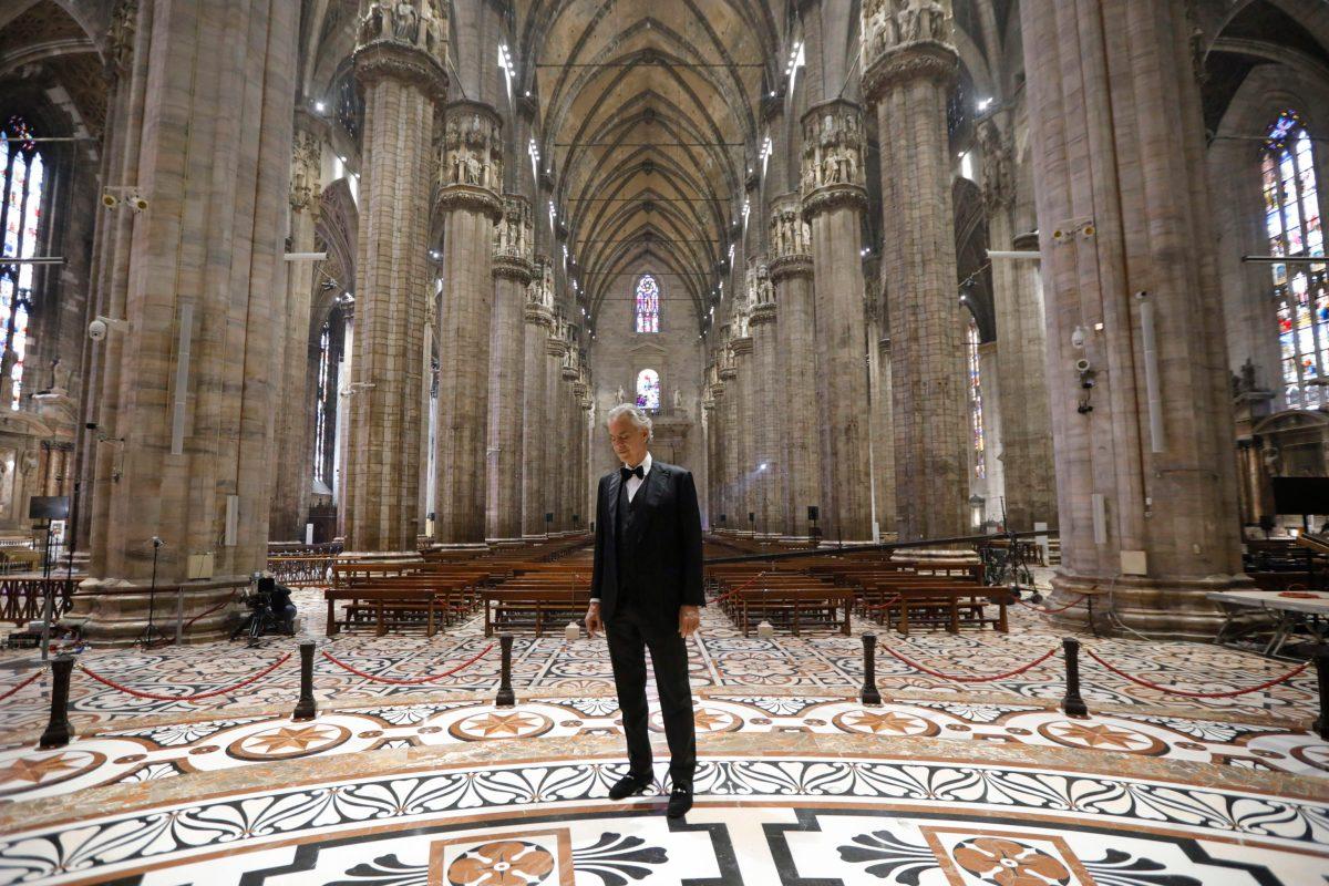Concierto de Andrea Bocelli por Pascua en un Duomo de Milán vacío