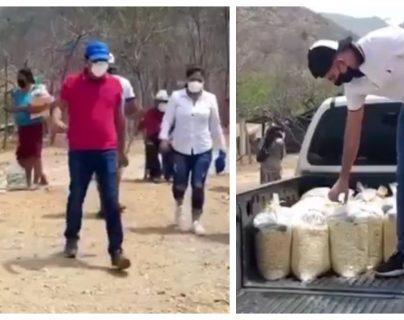 Amarini Villatoro y su esposa Alejandra Valdés entregaron víveres en Chiquimula. (Foto Prensa Libre: Facebook)