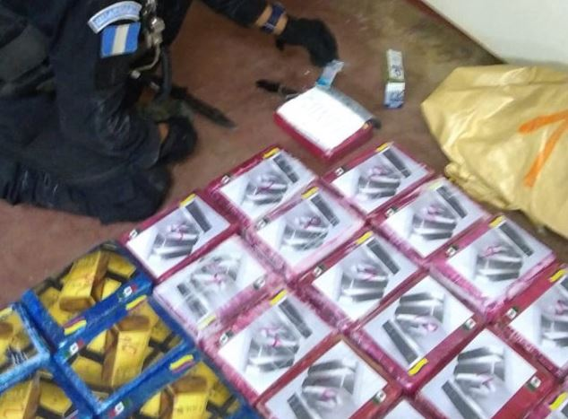 Capturan a diez personas en San Andrés y les decomisan mil 620 kilos de cocaína