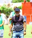 El entrenador guatemalteco Wálter Claverí dice que los dejen pelear por la permanencia. (Foto Prensa Libre: Luis López)