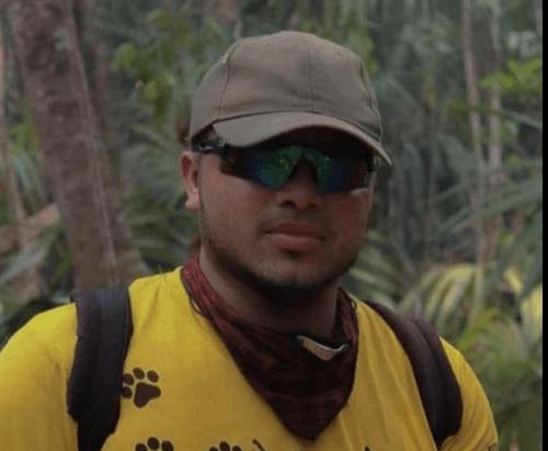 Exfutbolista Werner Duran combate el fuego en la Biosfera Maya