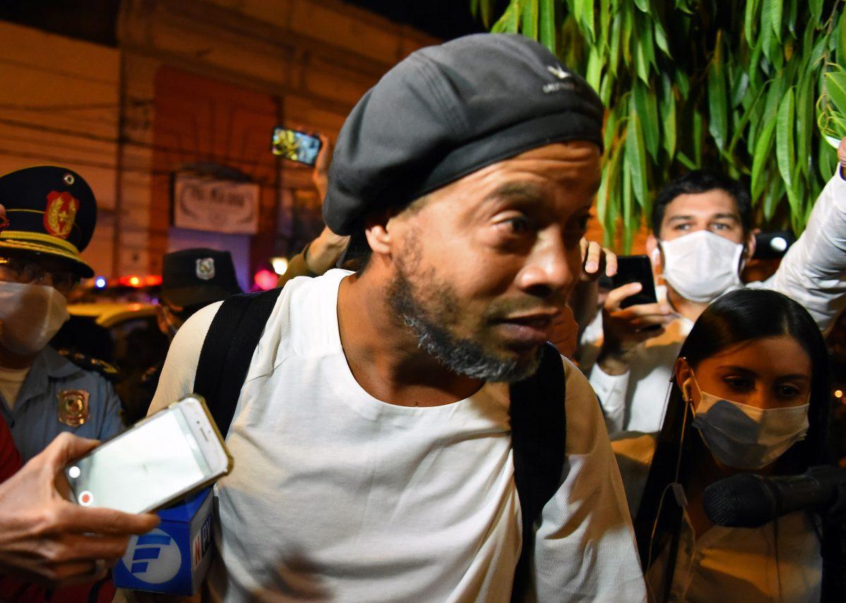 """Ronaldinho sale de la cárcel: """"Gracias por el cariño y las oraciones"""""""