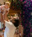 Carlos Ruiz disfruta cada momento con su hija Luna. (Foto Prensa Libre: Instagram de Carlos Ruiz)