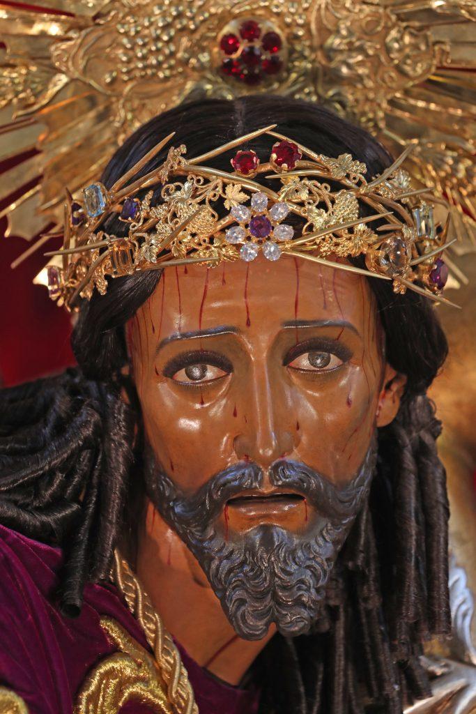 Este año debido a las disposiciones gubernamentales para evitar la propagación del Coronavirus en Guatemala, los devotos no pudieron observar el rostro de Jesús de lo Milagros. Foto Prensa Libre: Óscar Rivas