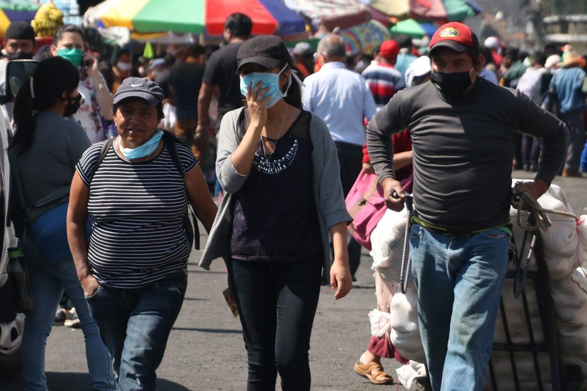Coronavirus: En Salcajá prohíben salir a las calles acompañado de niños y sin mascarilla