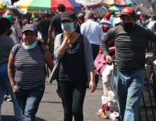 Las personas deberán usar mascarilla para salir de su casa por ordenanza del concejo municipal. (Foto Prensa Libre: Raúl Juárez)