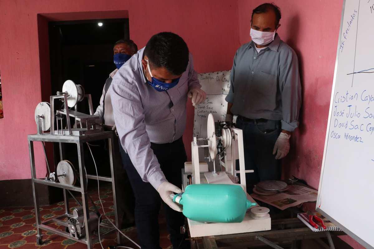 Así funcionan los respiradores que fabrican universitarios que ayudarían a enfermos con covid-19 a salvar su vida