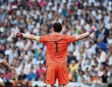 Iker Casillas mostró su cariño al Real Madrid y aseguró que algún día volverá al equipo de sus amores. (Foto Prensa Libre: EFE)