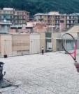 Vittoria Oliveri y Carola Pessina, las dos mujeres que juegan tenis para entretenerse durante el aislamiento por el coronavirus. (Foto Prensa Libre: ATP Tour)