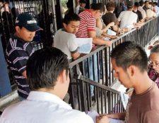 Maycom  anunció  de que reanuda atención en algunas agencias y utilizará medidas de contención por el coronavirus en Guatemala. (Foto Prensa Libre: Hemeroteca PL).