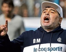 Diego Maradona es el técnico de Gimnasia y Esgrima La Plata. (Foto Prensa Libre: Hemeroteca PL)