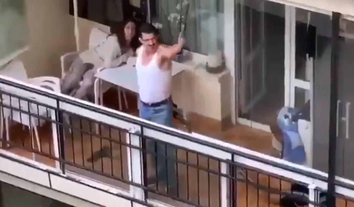 Coronavirus: fan de Freddie Mercury alegra a sus vecinos en cuarentena con interpretación de I Want to Break Free