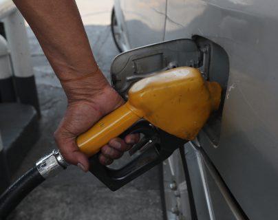 El precio del petróleo intermedio de Texas (WTI) de referencia para Guatemala- cerró este jueves 18 de junio en US$38.84 el barril y viene con una tendencia alcista en las últimas semanas. (Foto Prensa Libre: Hemeroteca)