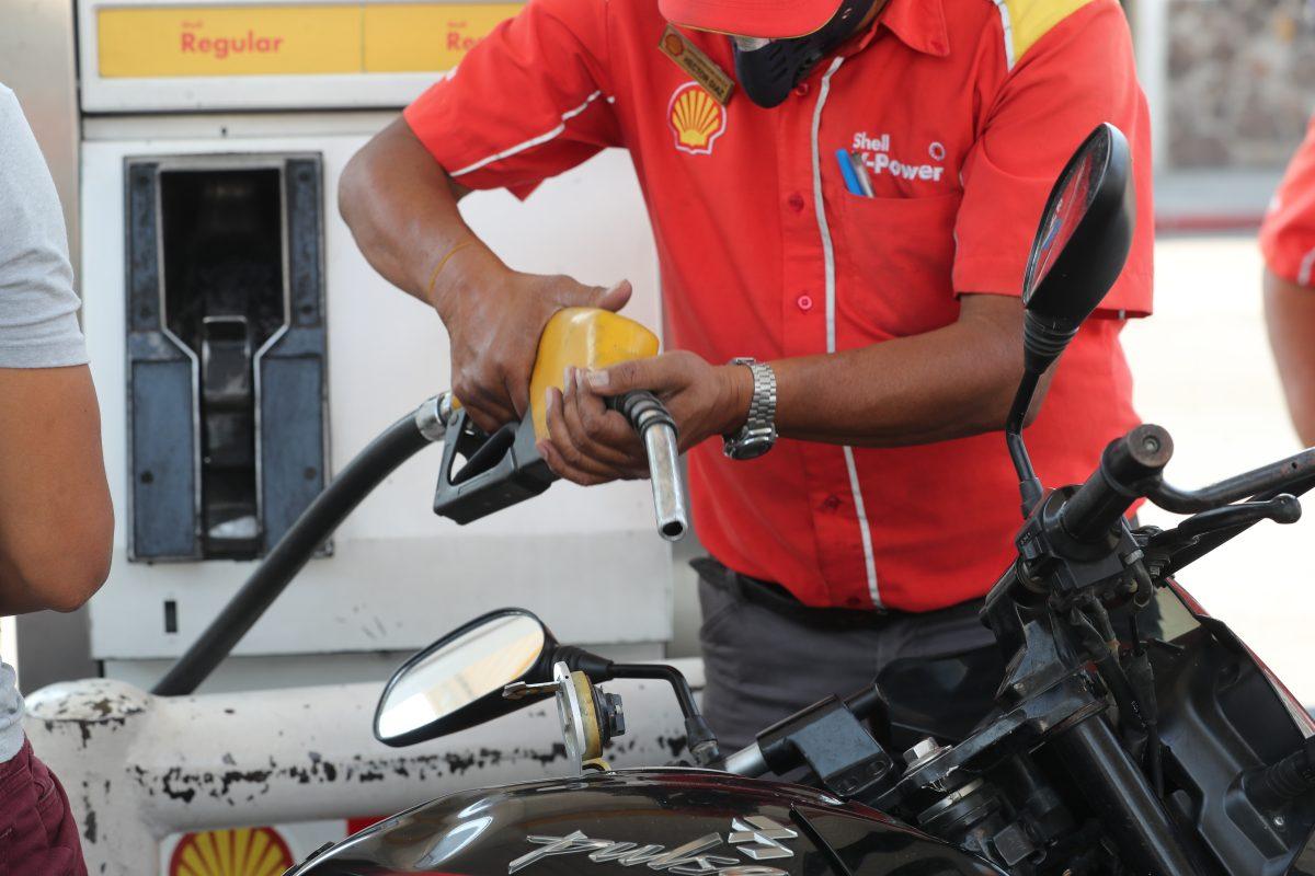 Coronavirus: Menor consumo de combustible de personas e industrias golpea las importaciones