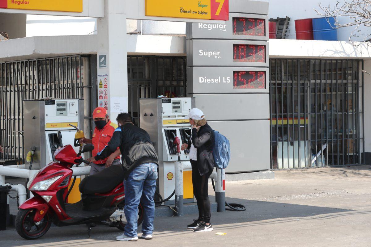 Hubo un ahorro de Q7 mil millones en combustibles, ¿a dónde se fue?