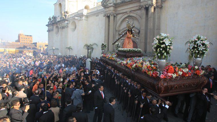 La procesión de La Reseña con Jesús de La Merced se realiza tradicionalmente el Martes Santo por la mañana. (Foto: Hemeroteca PL)