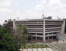 Estudiantes, docentes y personal deben continuar en cuarentena. (Foto: Hemeroteca PL)