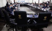 A pesar de la negativa de varios diputados, la Junta Directiva del Congreso de Guatemala, instala comisiones para coordinar fiscalizaci—n del trabajo realizado por el Ejecutivo en el marco del Estado de calamidad Publica decretado para atender la emergencia del COVID-19.  Noe Medina 15042020