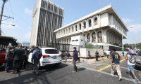 La Torre de Tribunales y la Corte Suprema de Justicia suspendió sus labores a causa del covid-19. (Foto Prensa Libre: Hemeroteca).