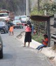 1)El programa bono familia consiste en un aporte de Q1 mil durante tres meses a dos millones de familias y empezará a partir de la primera semana de mayo, informó el ministro de Finanzas Álvaro González Ricci. (Foto Prensa Libre: Érick Ávila)