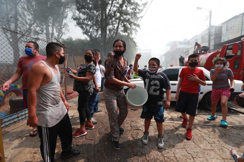 Los vecinos pidieron ayuda para que las autoridades no dejen bajar a guajeros que realizan quemas en el lugar. Foto Prensa Libre: Óscar Rivas