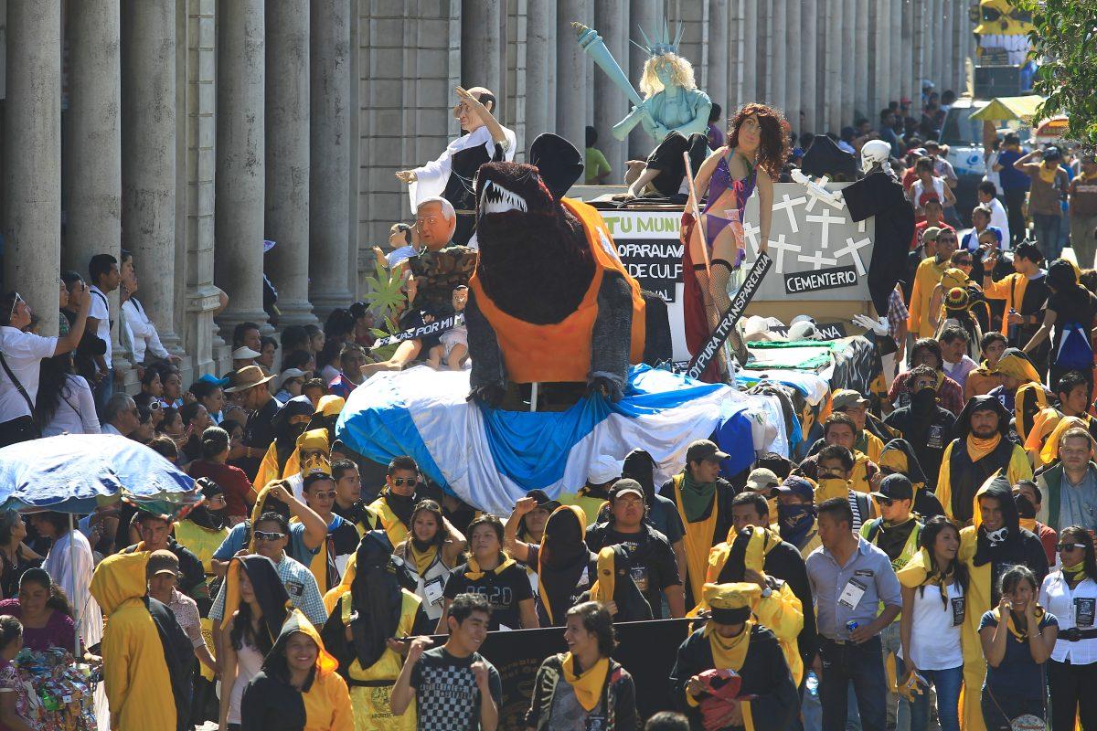 Cuál es la historia de la Huelga de Dolores que en 2020 se quedó sin desfile bufo