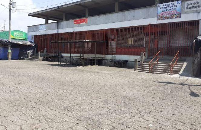 Varias calles de Patzún, Chimaltenango, permanecen desoladas por los casos de coronavirus detectados. (Foto Prensa Libre: Víctor Chamalé).