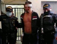 Mazariegos fue puesto a disposición del juzgado de turno  de Escuintla. (Foto Prensa Libre: Carlos Paredes)