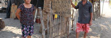 Pobladores de Chiquistepeque, Churirín y Tahuexco, Mazatenango, Suchitepéquez, esperan la ayuda del Gobierno. (Foto Prensa Libre: Marvin Túnchez)