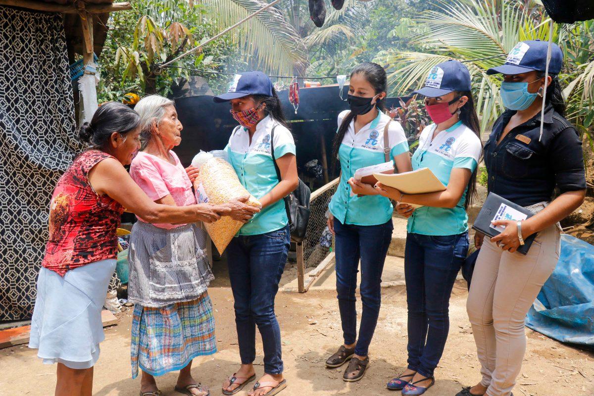 Coronavirus: Jóvenes recaudan víveres para familias necesitadas