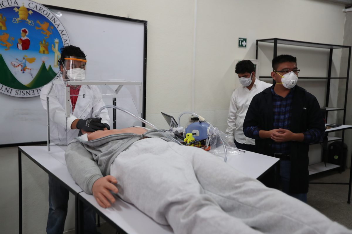 Universitarios avanzan en la fabricación de un respirador mecánico que sirva para pacientes con coronavirus