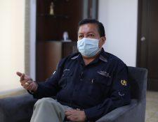 El ministro de Desarrollo Social,  Raúl Romero explicó sobre los programas de atención del gobierno a las personas afectadas por el coronavirus en el país. (Foto Prensa Libre: Óscar Rivas)