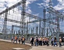 El comportamiento de la demanda de energía cambió luego de las restricciones laborales en prevención por el coronavirus. (Foto, Prensa Libre: Hemeroteca PL).