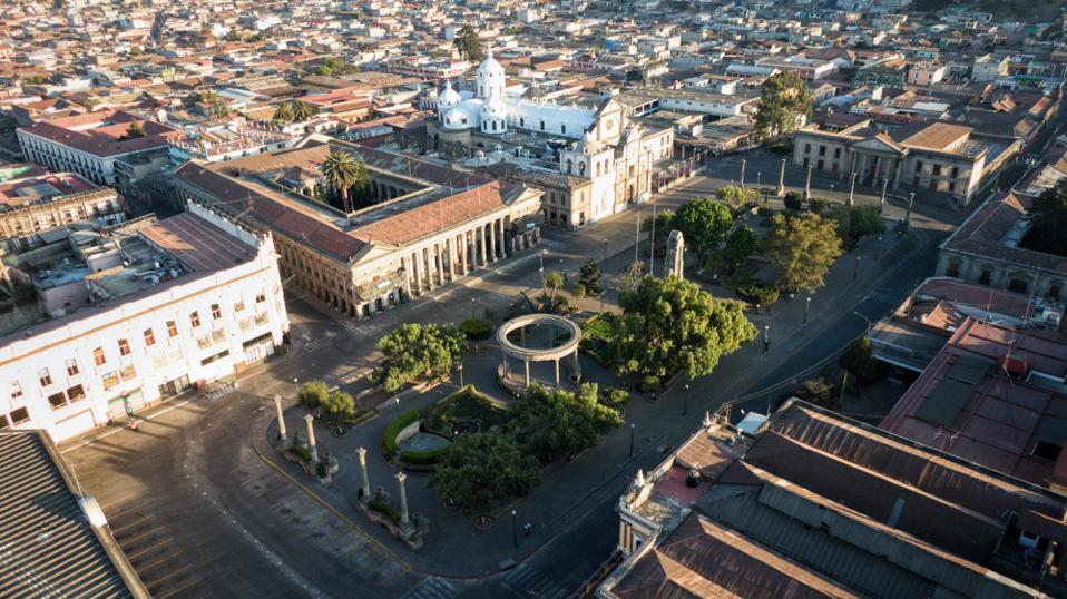 Coronavirus: Concejo de Xela se plantea nuevas disposiciones entre las cuales entraría el cierre total del Centro Histórico