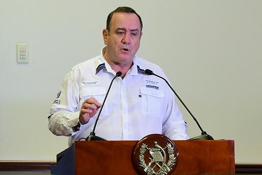 Giammattei critica a diputados por oponerse a ampliación presupuestaria