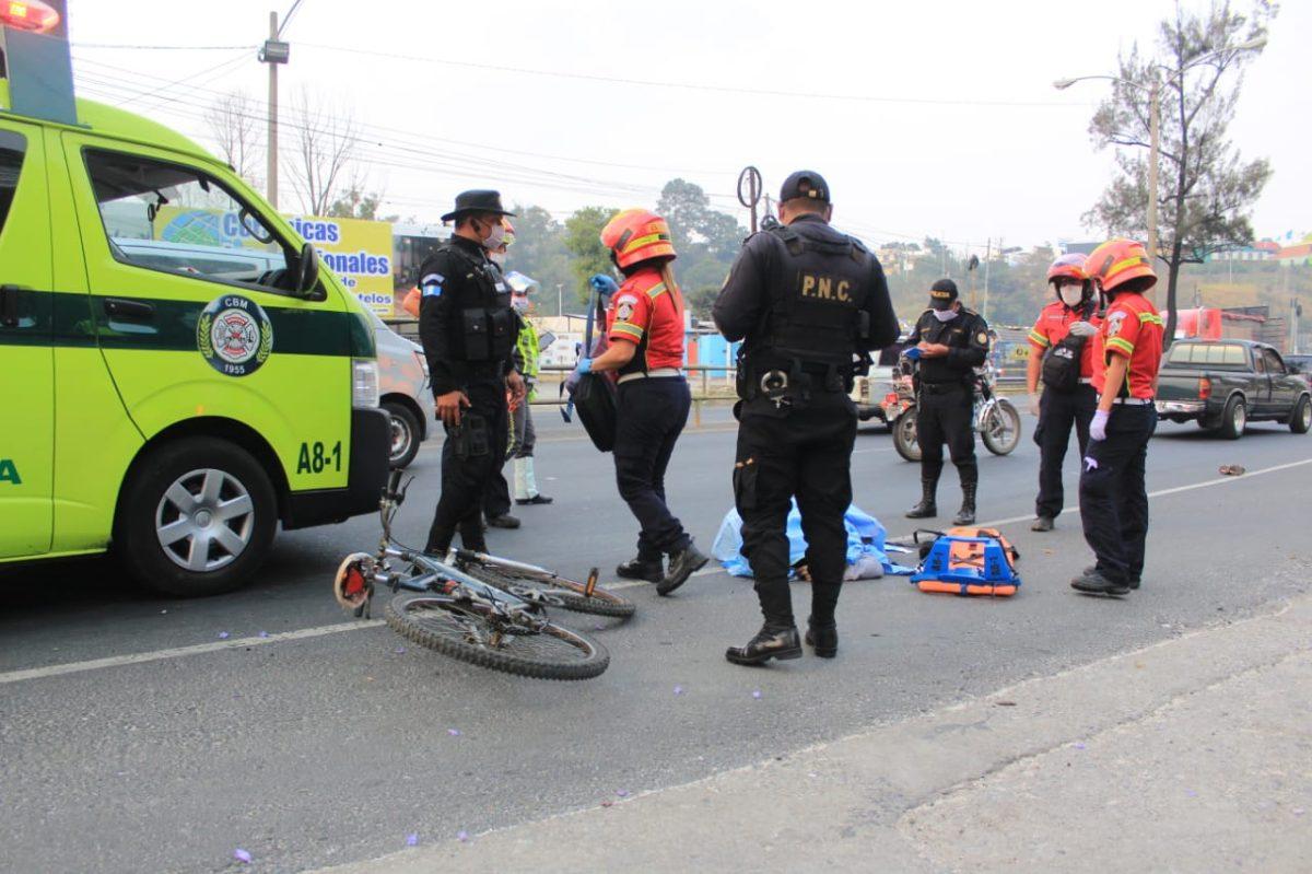 Hombre que se movilizaba en bicicleta debido a la falta del transporte público murió atropellado en ruta al Atlántico