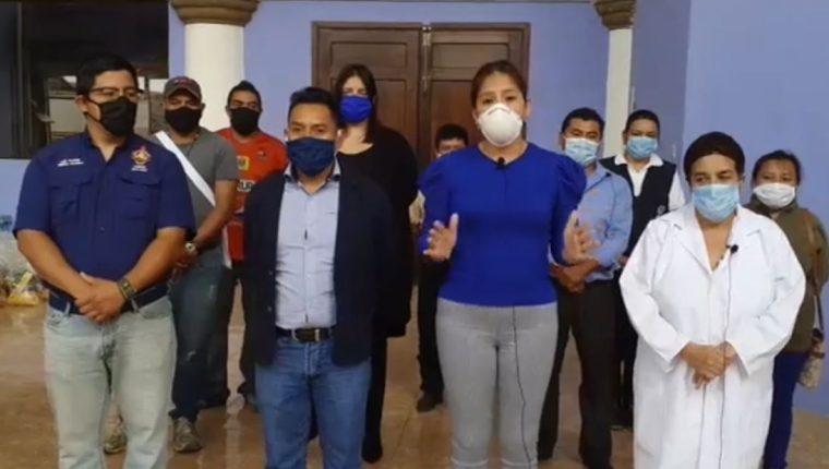 Alicia Méndez, alcaldesa de Parramos, Chimaltenango, informó el primer caso de coronavirus en el municipio. (Foto Prensa Libre: Tomada de Facebook)