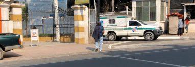 Víctima de covid-19 en Totonicapán falleció cuando era trasladada al Hospital de Villa Nueva. (Foto Prensa Libre: Leopoldo Batz)