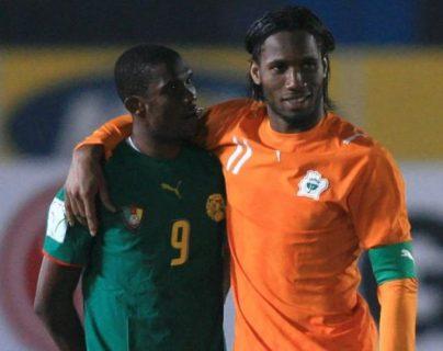 Samuel Eto'o y Didier Drogba, ambos retirados, han sido dos de los futbolistas africanos más influyentes en el mundo. (Foto Prensa Libre: Twitter)