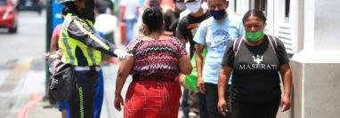 Las medidas de seguridad se mantienen en todo el país para evitar el contagio. (Foto Prensa Libre: Carlos Hernández)