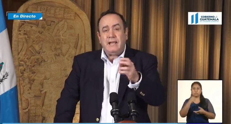 El presidente Alejandro Giammattei afirmó que Guatemala es uno de los países centroamericanos que  tiene menos casos de coronavirus. (Foto Prensa Libre: )