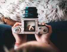 La fotografía toma relevancia entre los cursos que instituciones de arte comenzarán a desarrollar en línea. (Foto Prensa Libre: Unsplash)