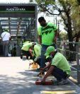 Los equipos de trabajo de la Municipalidad de Guatemala comenzaron a marcar la distancia. (Foto Prensa Libre: cortesía)
